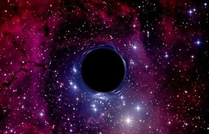 Нерешенная задача: что находится в сердце черной дыры?