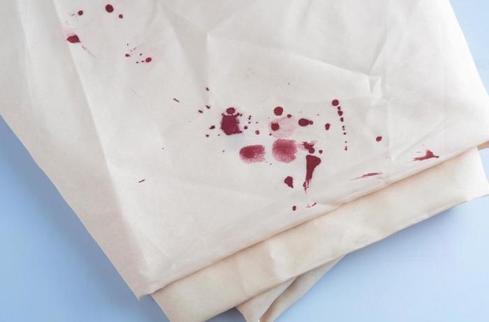 Чистится кровь легко.