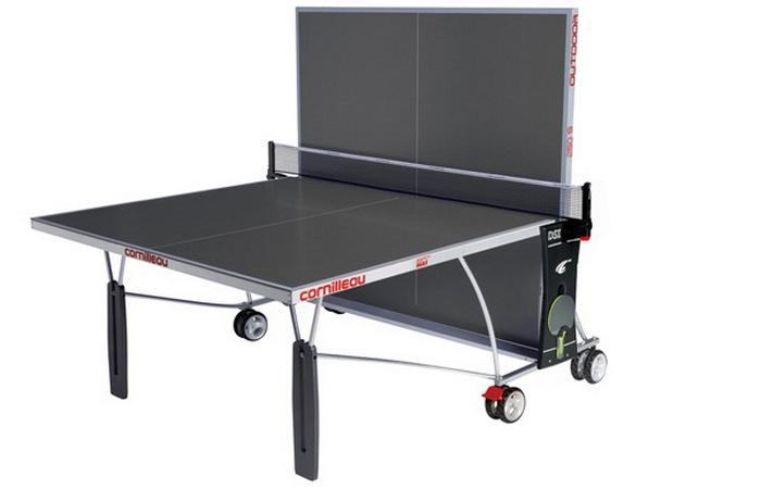 Складной стол для пинг-понга.