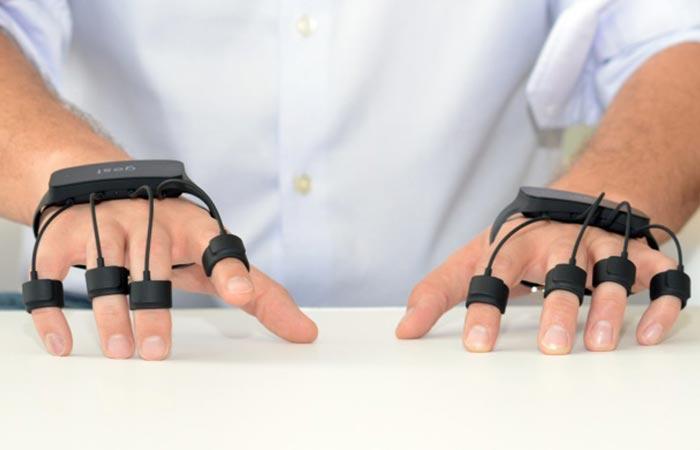Перчатки-манипулятор для компьютера и не только.