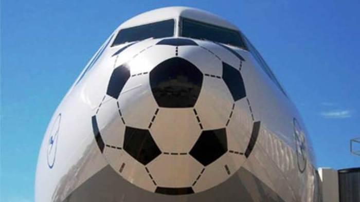 Lufthansa - Футбольный нос.