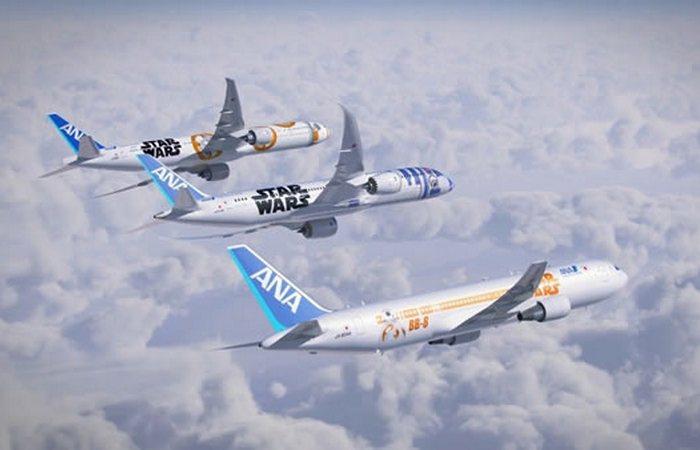 Разукрашенный самолет «Звездные войны. R2-D2».