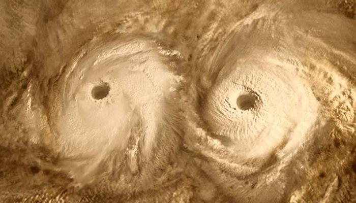 Скорость ветра на Венере доходит до 725 км/ч.
