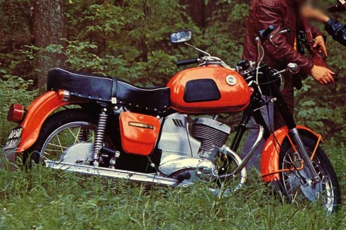 Эти мотоциклы активно шли на экспорт. |Фото: modelstroy.ru.