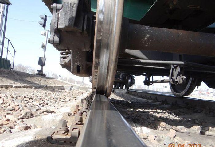 Поезд с проблемами будет сразу остановлен. |Фото: m.fishki.net.