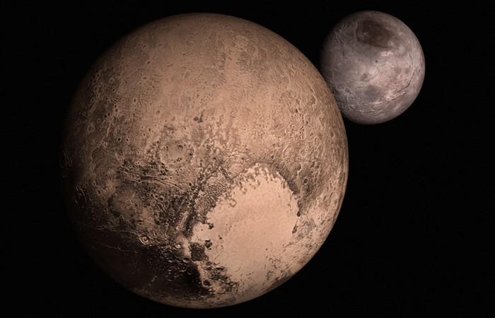 Плутон: центр масс.