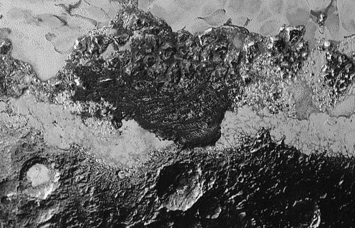 Фотоснимки Плутона: формы рельефа.