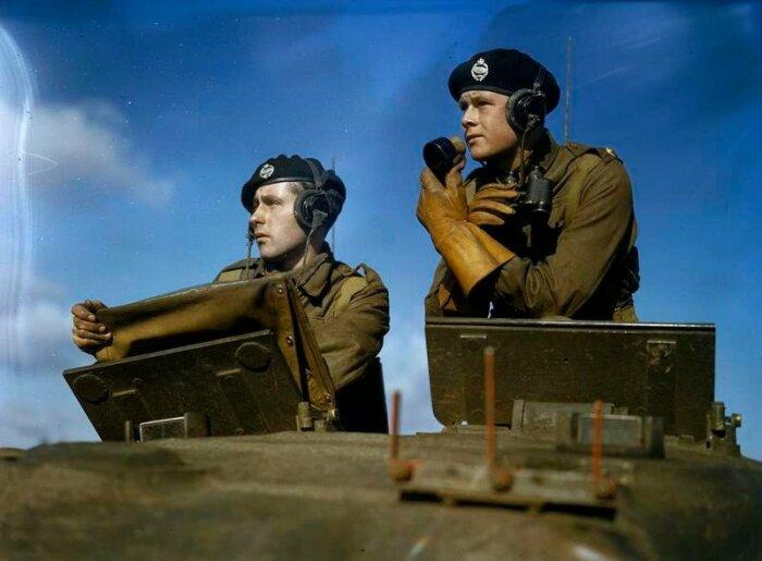 Англичане как и немцы носили танковые береты. ¦Фото: livejournal.com.