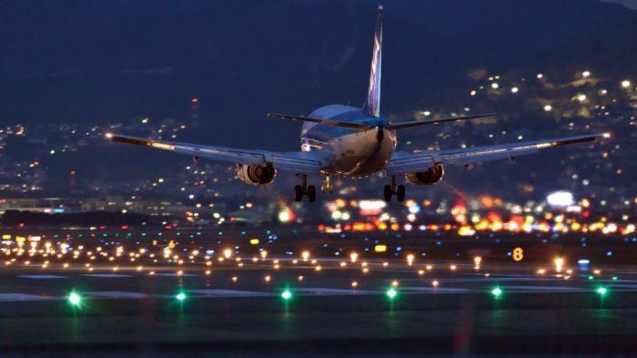 Почему топливные баки самолета расположены именно в крыльях, а не в днище или в хвосте
