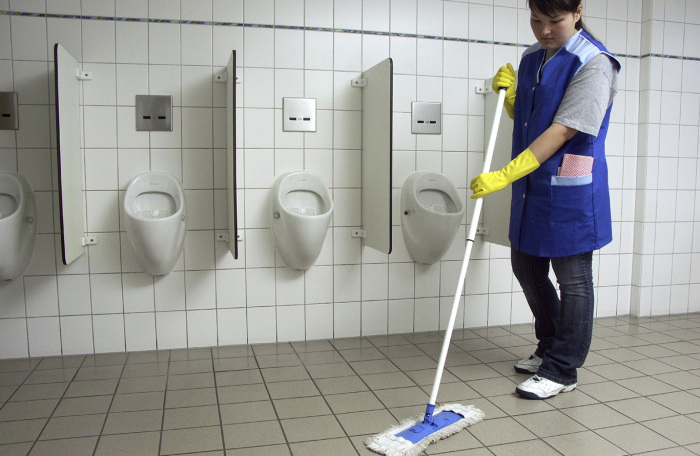 Уборка - дело важное. |Фото: ooo-aisgroup.ru.