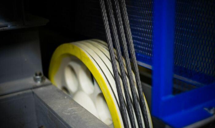 Наконец, у лифта не менее 4 торосов, каждый из которых выдержит груженую кабину даже по отдельности. |Фото: livejournal.com.
