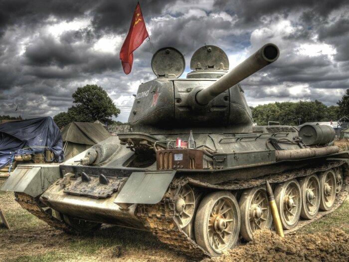 Советские танки имели разные гусеницы.  Фото: bizbi.ru.