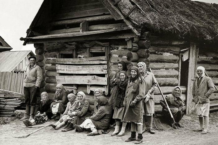 Корни традиции уходят в старые времена. |Фото: pastvu.com.