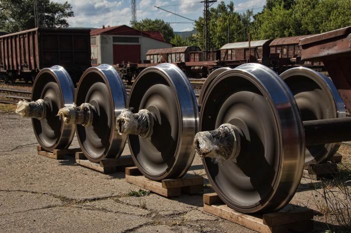 Внешние радиусы колес не конусы, а цилиндры. |Фото: transport-news.ru.