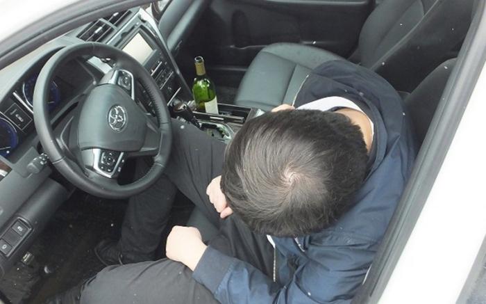Пьяным к машине лучше не приближаться вообще. ¦Фото: nashbryansk.ru.