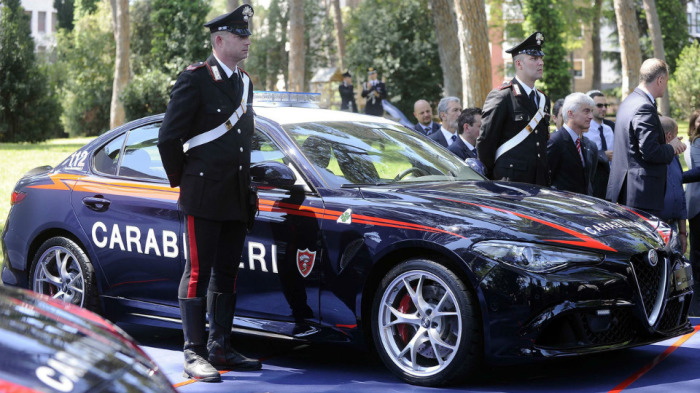 Alfa Romeo Giulia QV - автомобиль для охраны.