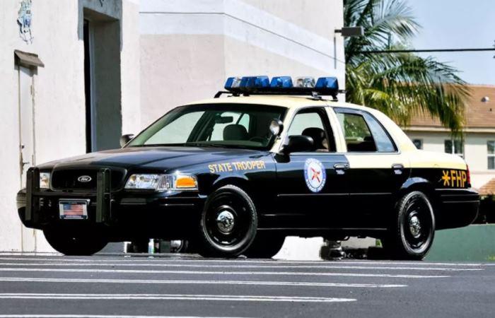 Горячие факты о полицейских авто.
