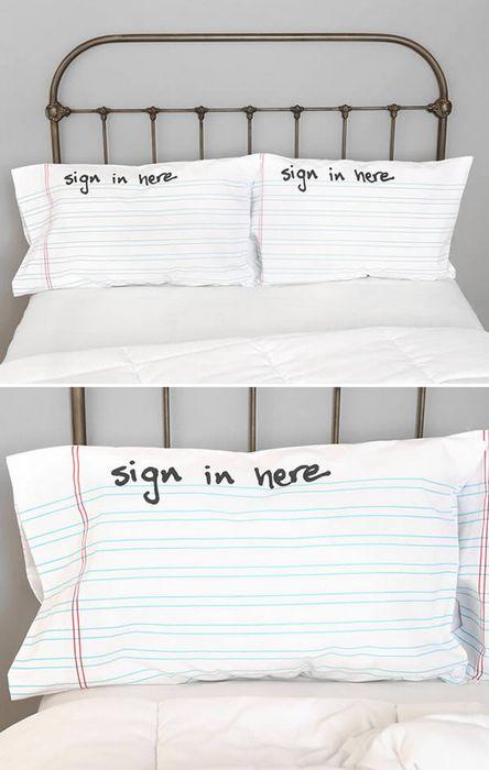 Наволочки Sign In.