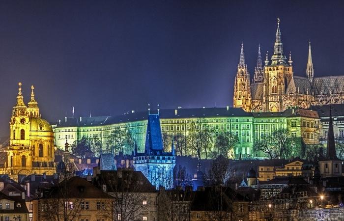 Злата Прага.