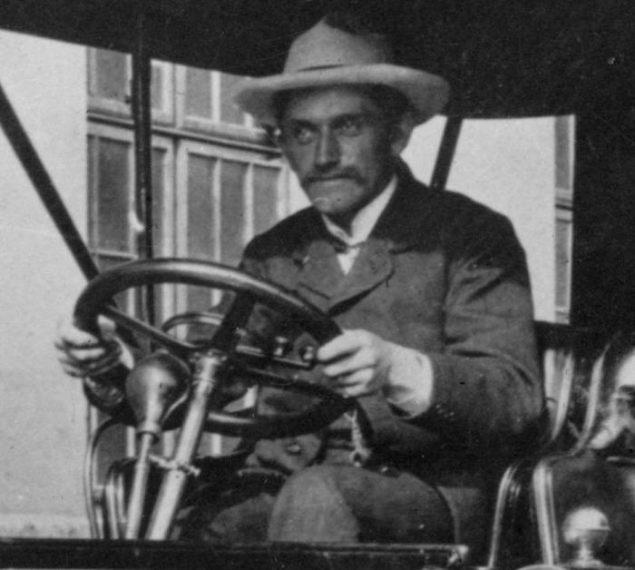 Фердинанд Порше в 1903 году.