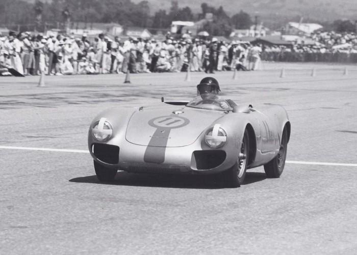 Porsche на треке.