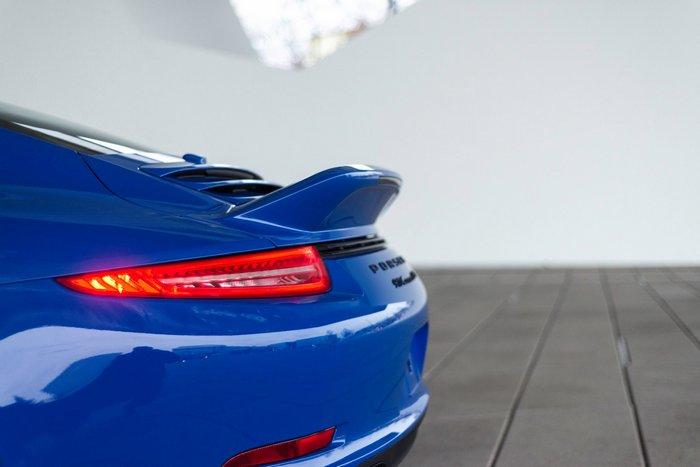 Задние фонари 911 GTS Club Coupe.