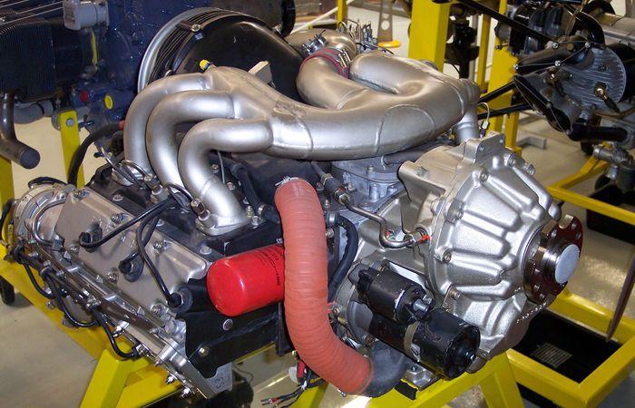 Двигатель для самолета создан на основе 1,6-литрового движка от модели 356.