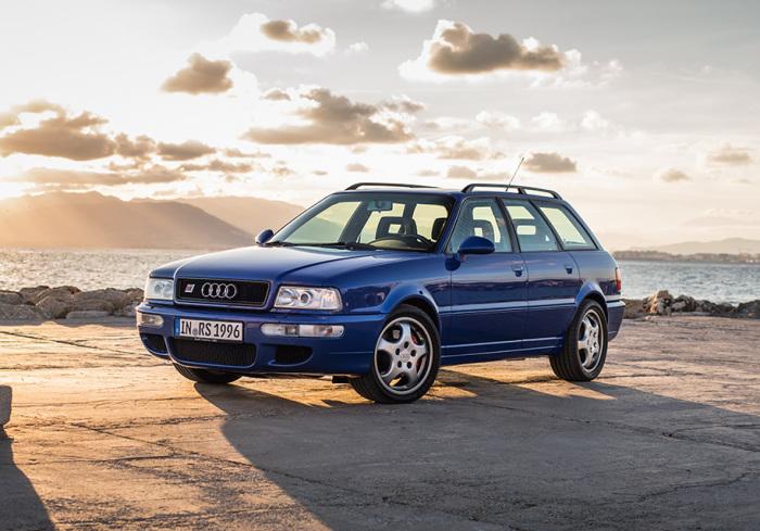 В Audi RS2 Avant не обошлось без помощи.