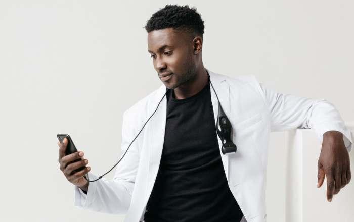 Карманный УЗИ сканер сделает каждого врачом.