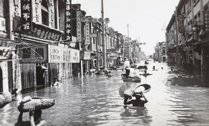 Во все времена Поднебесная страдала от наводнений.