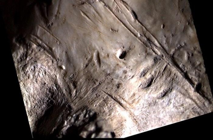 Загадочный пример искусства: перья пещеры Фунаме.