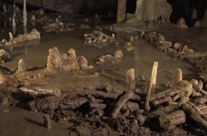 Загадочный пример искусства: Брюникельские пещерные каменные кольца.