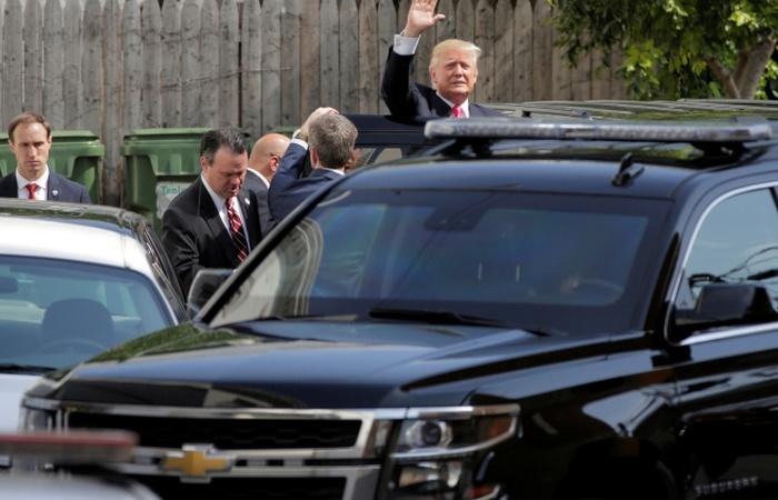 Автомобиль Chevy Suburban.