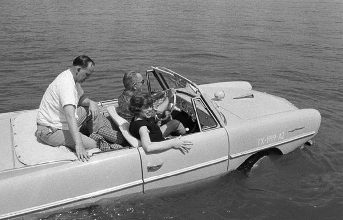 Автомобиль-амфибия Amphicar.