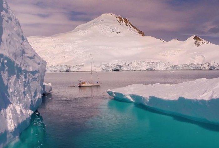 Еще как идет, взять хотя бы Антарктику.