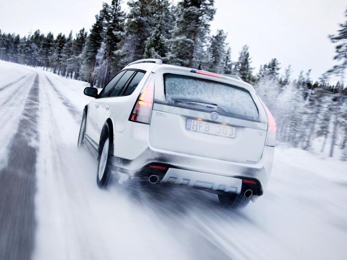 Не стоит совершать резких разгонов и обморожений в начале поездки.  Фото: motorpuls.ru.
