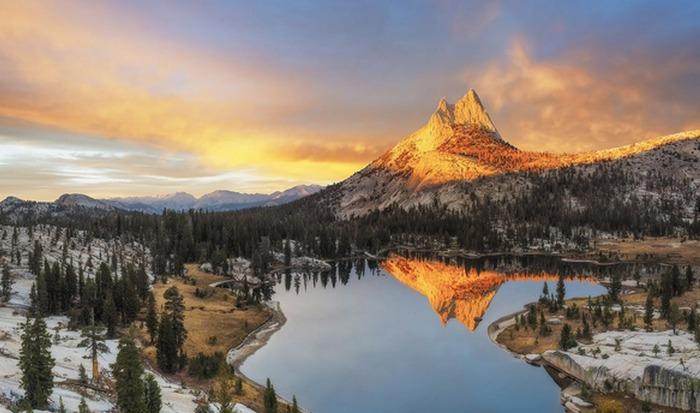 Оптическое явление: альпийское свечение.