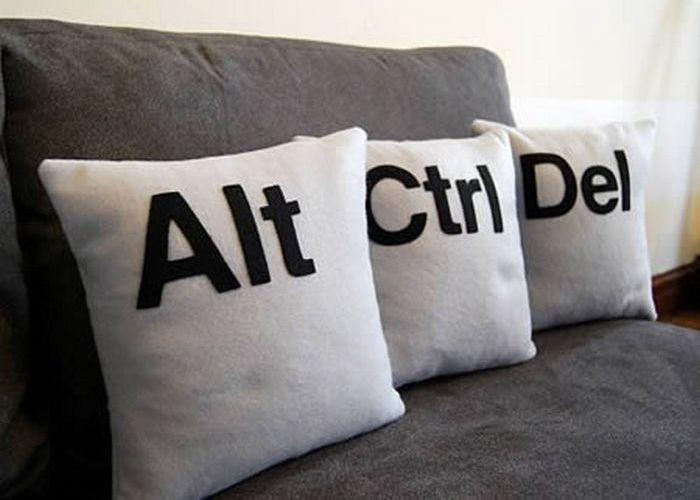 Подушки Alt-Ctrl-Del.