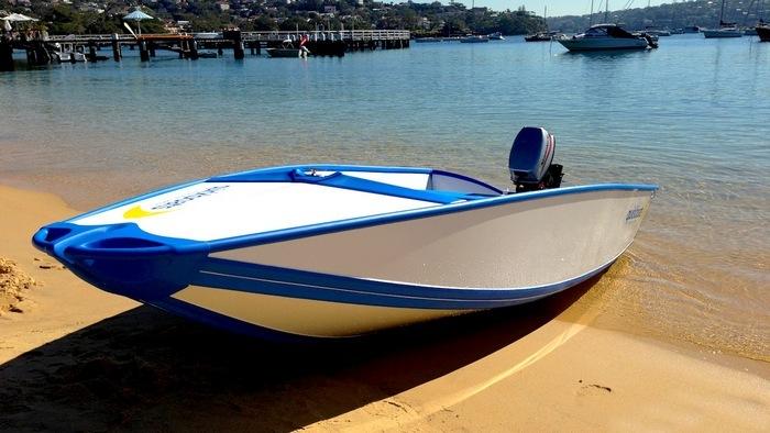 Quickboats - лодка, которая помещается в сумку.