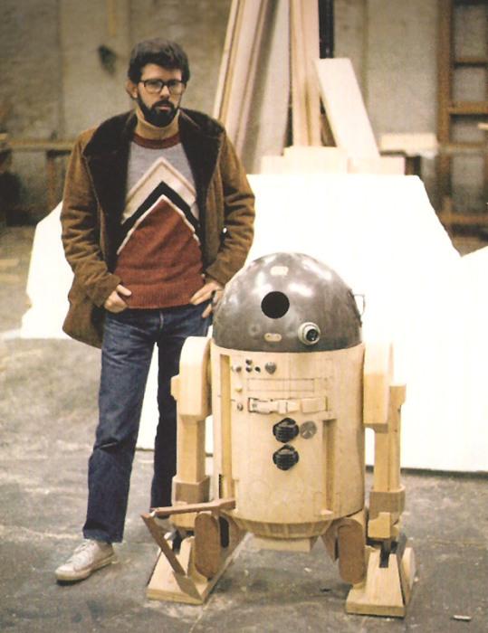 R2-D2 - любимая игрушка Лукаса.