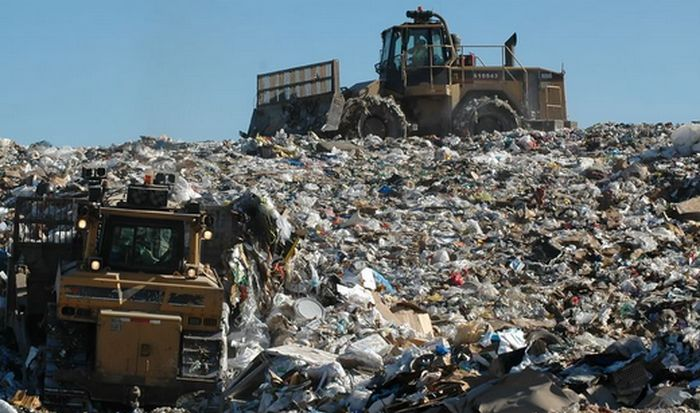 Промышленные отходы более опасны для человека чем радиация.
