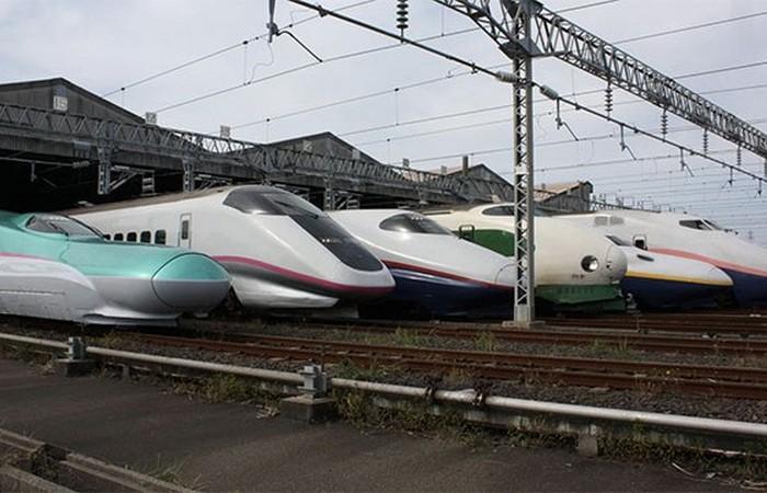 Японские поезда.