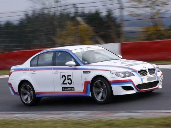 Юбилейный раритет BMW M5 CSL (E60).