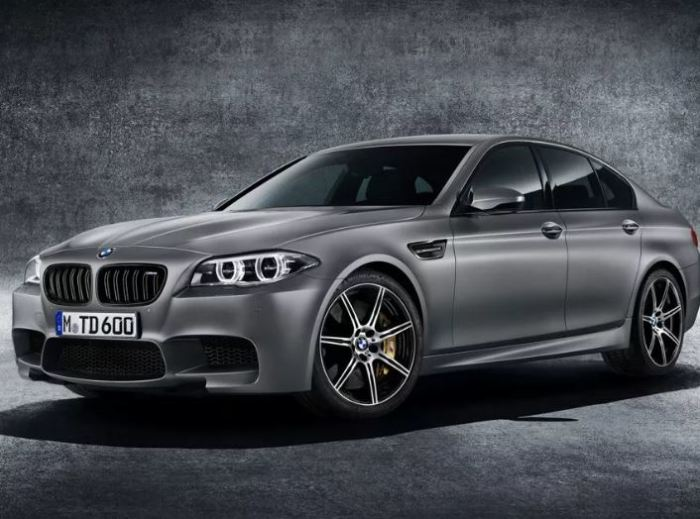 Стильный BMW M5 30 Jahre (F10) к 30-летию.