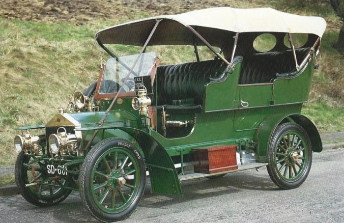 Один из первых автомобилей в истории.
