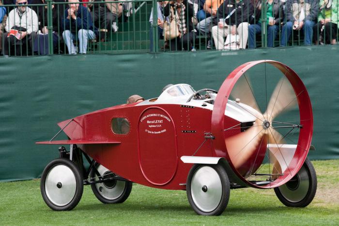 Один из самых необычных автомобилей.
