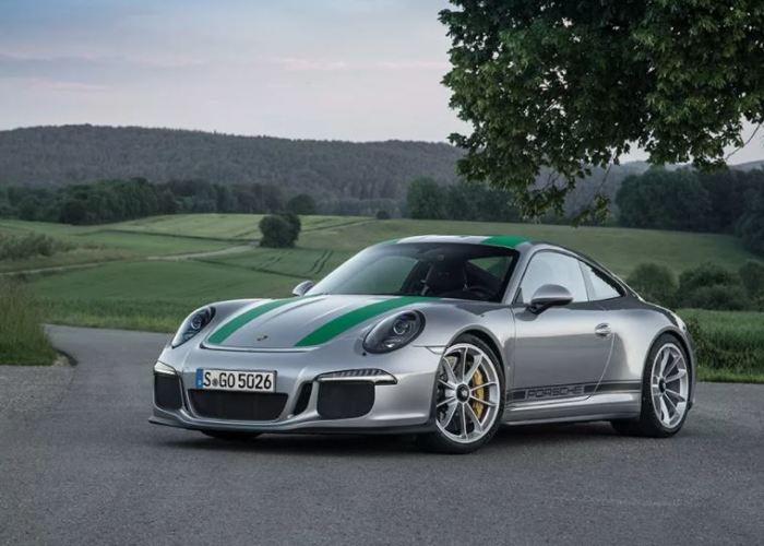 Красавчик  Porsche 911 R.