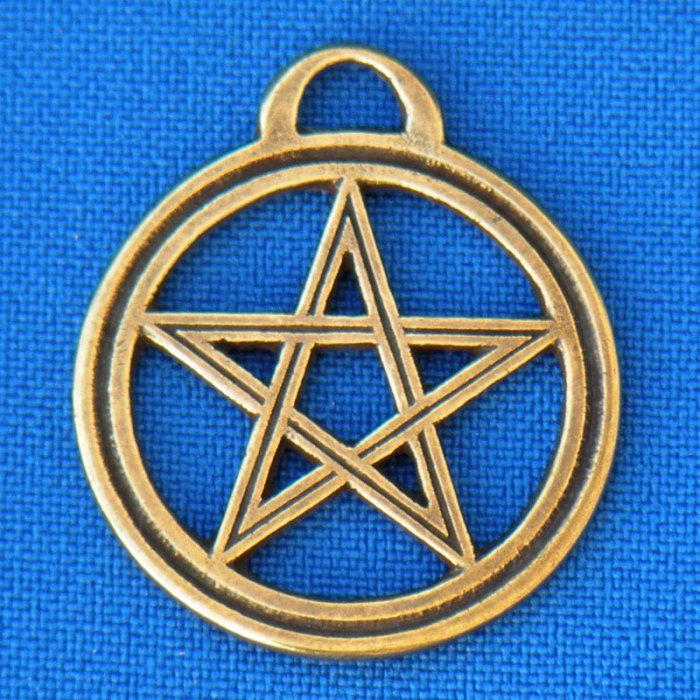 Пятиконечная звезда Соломона. Пример использования звезды в древней традиции. Считается символом света и единства. |Фото: om.md.