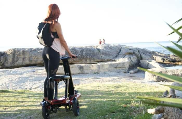 Удобный скутер для езды по городу.
