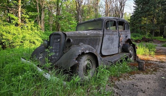 ГАЗ-М - точная копия американского Ford Model B 40A Fordor Седан.